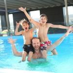 swimming-pool-765312_640