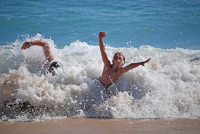 beach-1192125_640