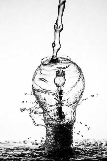 light-bulb-1850207_640