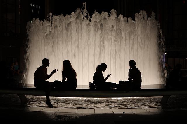 fountain-2041457_640