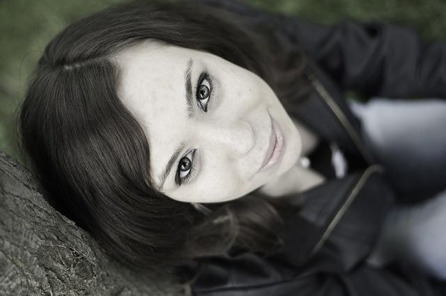 portrait-1275662_640
