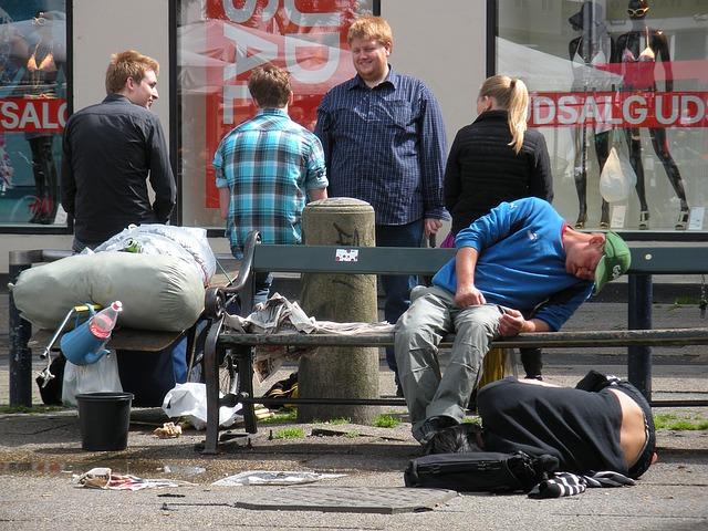 homeless-1416564_640