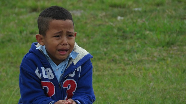 child-crying-1735221_640