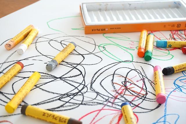 crayon-2009816_640