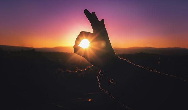 sunset-1331088_640
