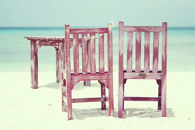 beach-815303_640
