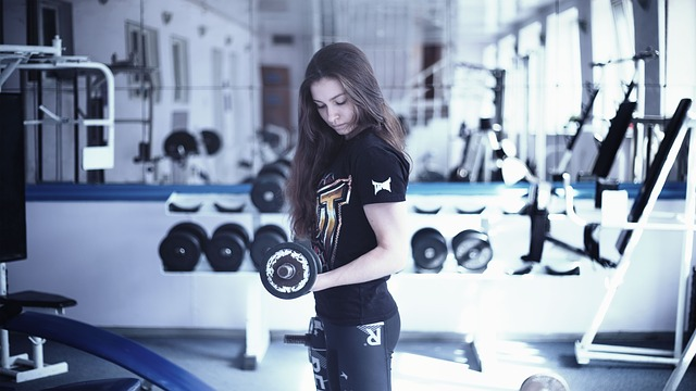 girl-in-the-gym-1391368_640