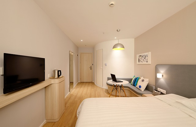 hotel-1330846_640