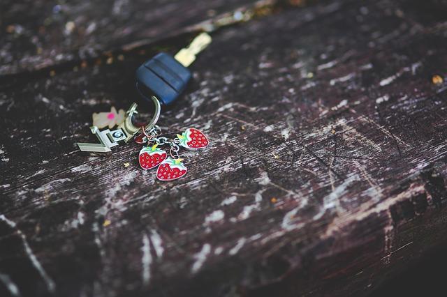 car-key-791382_640