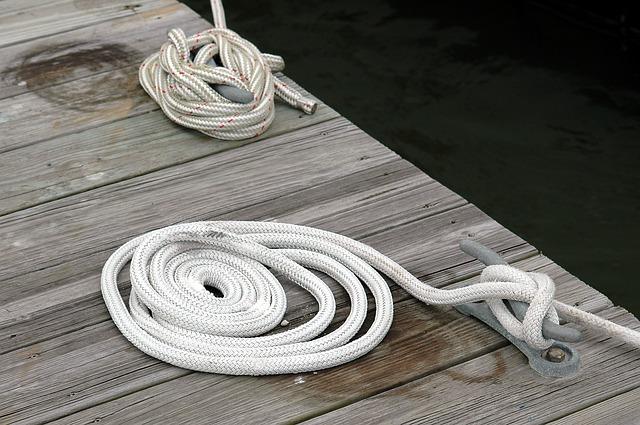 boat-mooring-1674708_640