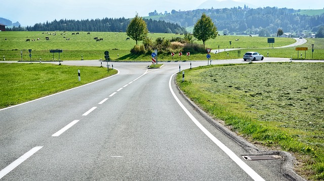 road-971205_640