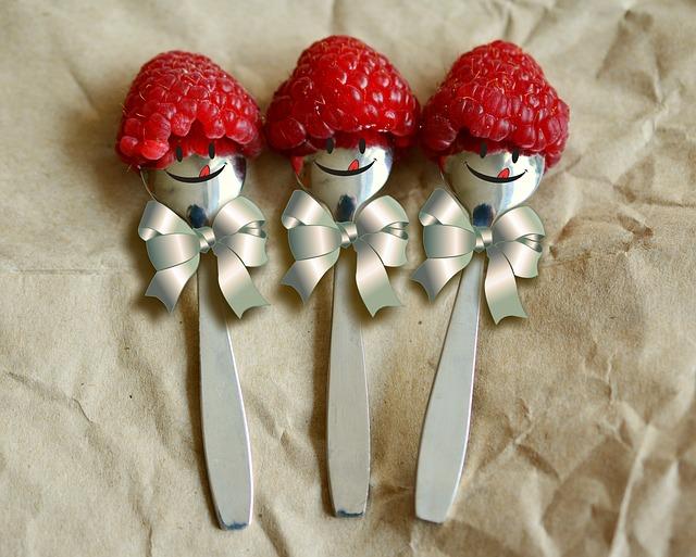 raspberries-3188377_640