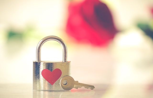 valentine-3126531_640