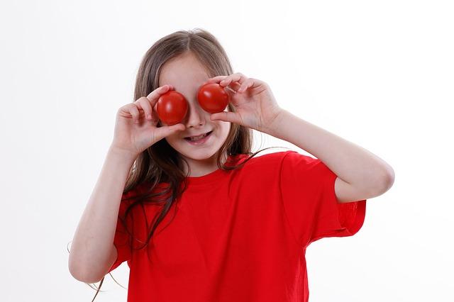 tomato-3434619_640