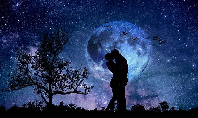 moon-3059324_640