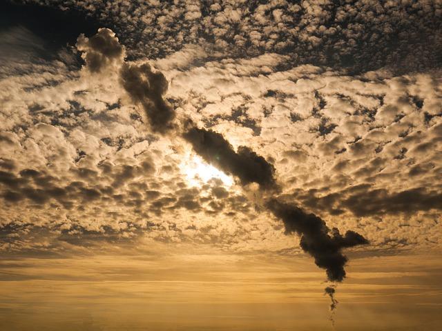 smoke-plume-2801457_640