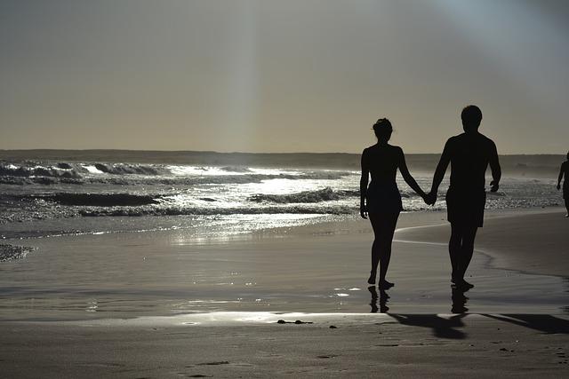 beach-2468412_640 (1)